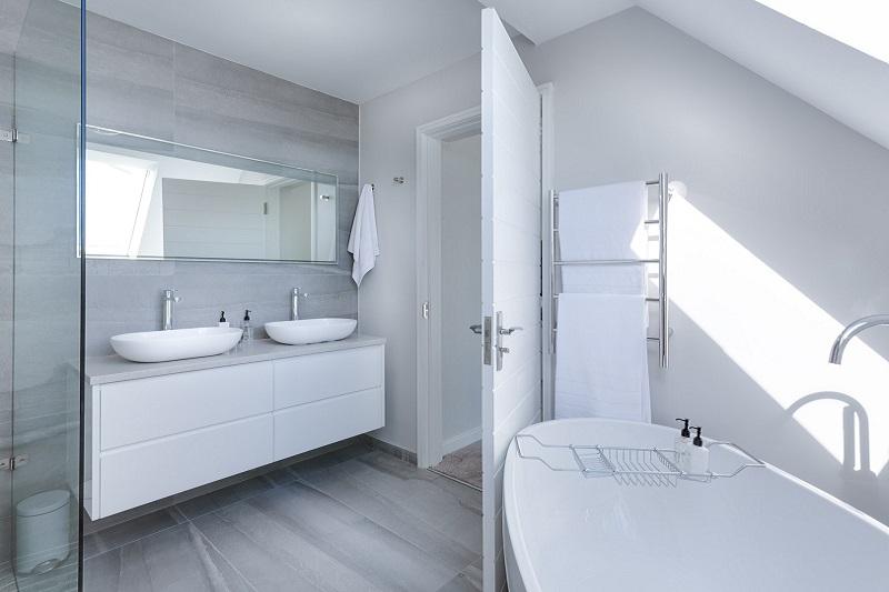 Dystrybucja drzwi Barański – jak wybrać drzwi łazienkowe?